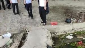 视频丨揪心!运河大桥上一女子跳河轻生