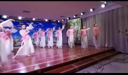 """邳州老年大学举办""""夕阳正红""""迎新年文艺汇演"""