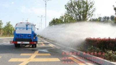 加大洒水降尘力度 促进空气质量改善